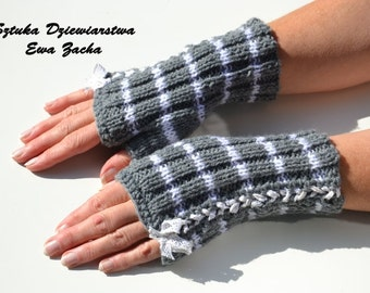 Grey & white Fingerless Mittens , fingerless gloves in handmade-warmers gloves with bow