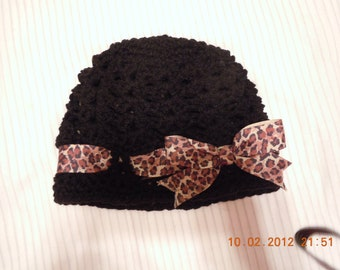 Girls Shell Textured Beanie With Leopard Print Bow