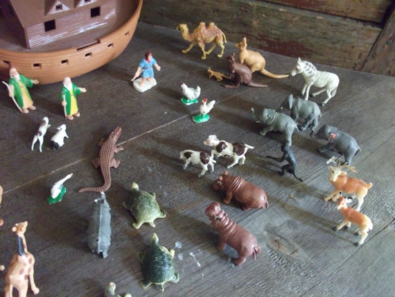 1960s Marx Toys Miniature Noah S Ark Play Set 34 Animals