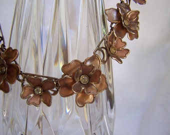 Beautiful Vintage necklace, circa 1950s, bronze flowers with rhinestones