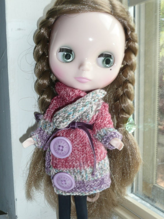Blythe multicolor coat with belt and 2 light purple buttons