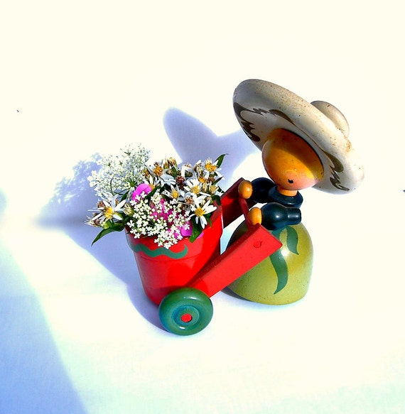 Vintage Wooden Mexican Senorita With Cart