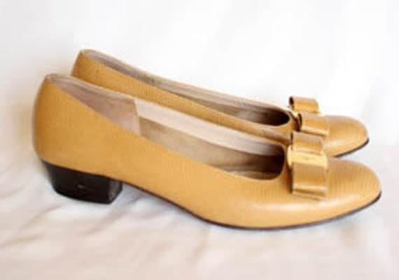 Ferragamo Bow Shoes Size 7
