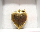 Vintage Gold Filled Locket Heart Double Flower Design 12 x 14 mm 2 grams  #111