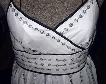 Summer Dress Ann Taylor Black and White Embroidered Womans Sun Dress Size 6 Crisp White Spaghetti Straps