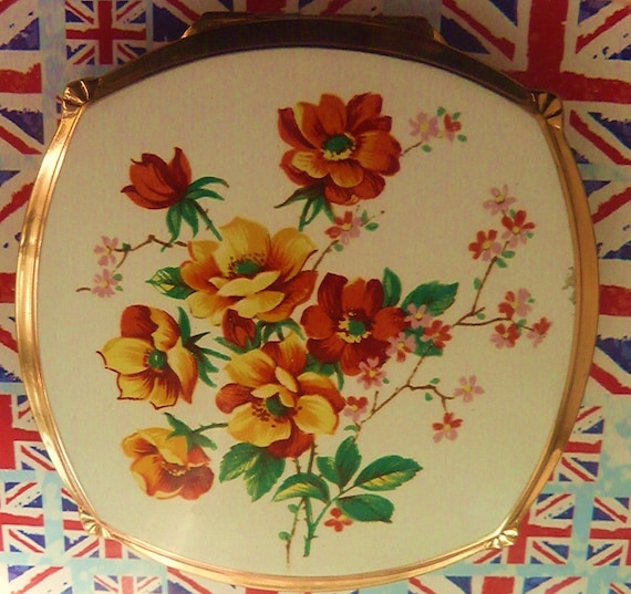 "Vintage compact 1960s Stratton "" Cushion-Convertible ""  Stylised Marigold Powder Compact"