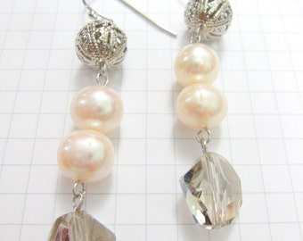 Earrings - Sweet Elegance, Freshwater Pearls ER20154