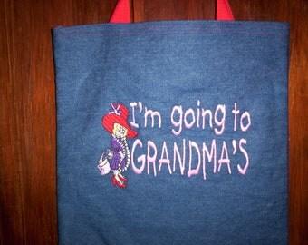 Free personalzing SOOO cute- I'm going to GRANDMAS