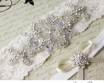 Wedding garter set, Light Ivory stretch lace Bridal Garter set, Rhinestone and Crystal garters