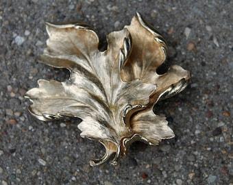 Vintage Costume Gold Tone Oak Leaf Brooch