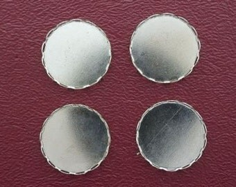 four 18mm round silver-color bezel lace edge setting