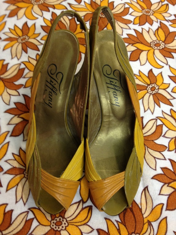 Lovely 1980's Autum coloured sling backs with small heel.