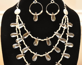 Raindrop necklace and earring set