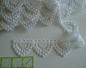 Plauen White lace trim