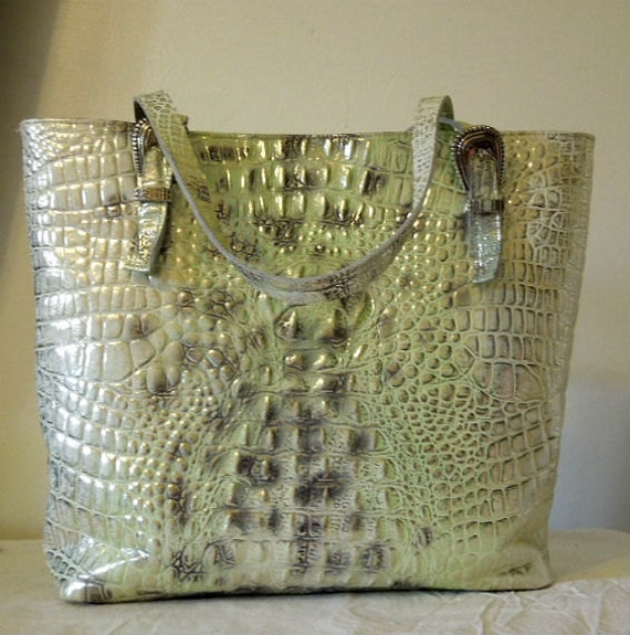 Genuine leather. Leather shoulder bag.  purse.Hobo .Genuine Leather  tote.Light Green Leather. Crocodile  print.women. handbag.