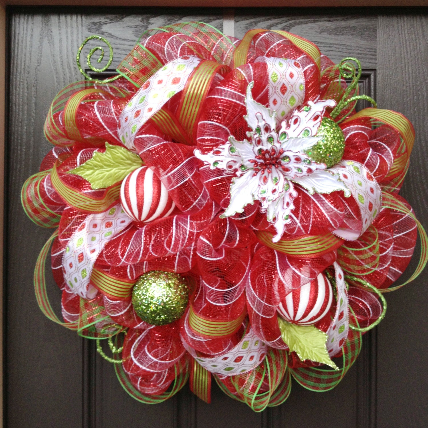 Red White Striped Christmas Deco Mesh Wreath