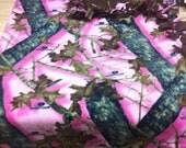 Mossy Oak Pink Camo fleece knotted blanket