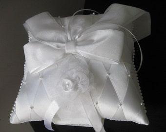 Ring bearer's pillow, wedding ring bearer pillow, pearl ring bearer pillow