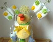 Windeltorte mit Ente und Schmetterlingen mit Babyartikeln