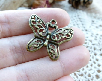 4x Butterfly Charms, Antique Brass Pendants C04
