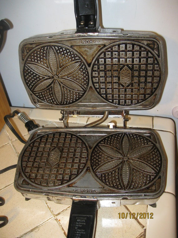 Black Angus Rival Pizzelle Iron/Sandwich Maker - Model 920