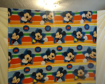 Mickey Mouse throw 2