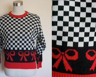 oversized 90s sweater // black and white graphic print  // slouchy knit jumper