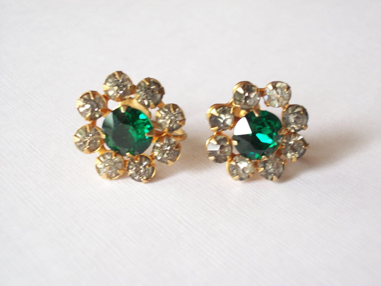 vintage earrings jewelry screw back antique faux emerald. Black Bedroom Furniture Sets. Home Design Ideas