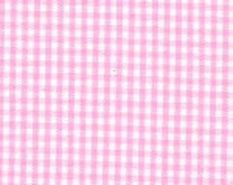 """HALF YARD 1/16"""" BUBBLEGUM Fabric Finders Gingham"""
