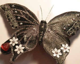 Black Shimmery Butterfly Barrette with Daisies