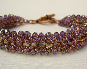 Bracelet with sparkling beads in purple and copper tones