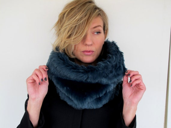 Scarf, Cowl, Neckwarmer.Snood with super soft eco fur in blue petrol.