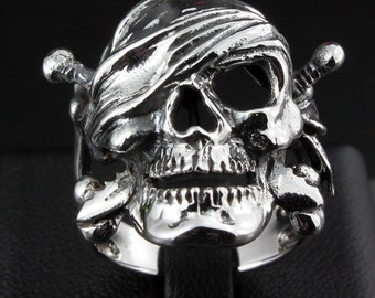 Pirate skull ring silver 925  Free shipping