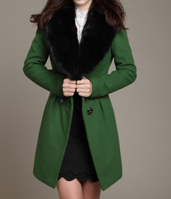 Green Long Woolen Coat/ Cashmere Coat/ Double-breasted Wool Coat/ Winter Coat/Woman coat/ Long Jacket/ Long Sleeves/Cony hair collar
