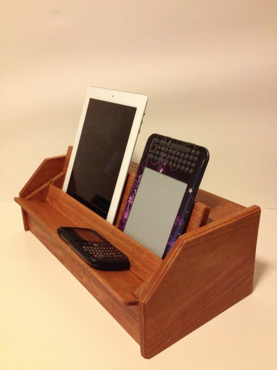 Phone Charging Station for Motorola Droid Razr, HTC, blackberry and Motorola 13 Xoom - Holds 6 Devices at One Time