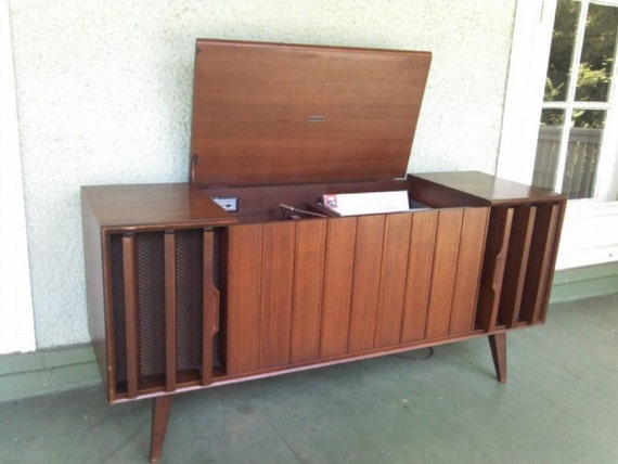 Mid Century Danish Modern Console Stereo By Zenith