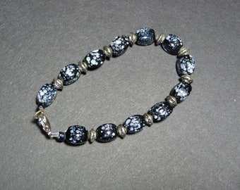 Charming casual black beaded bracelet