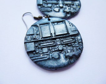 Polymer clay earrings Circuit board relief Black earrings Pearl earrings Round earrings Dangle earrings Cyberpunk earrings Large earrings
