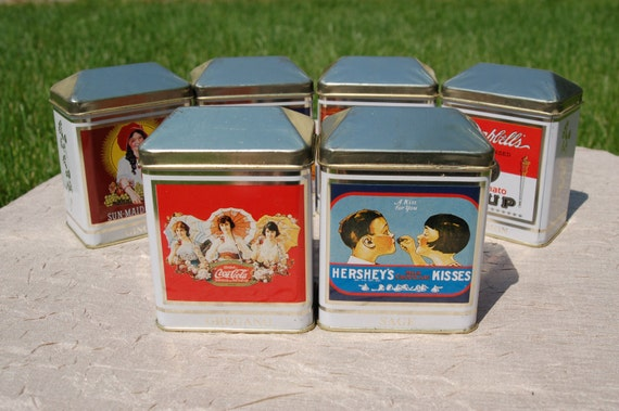 Bristolware spice tins with vintage by cobblestonesvintage for Retro kitchen set of 6 spice tins