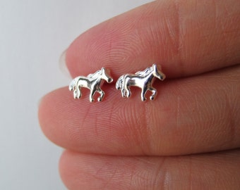Tiny Sterling Silver Horse Stud Earrings, cartilage earring, tiny stud earrings