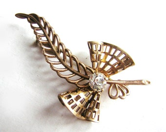 """Old beautiful  brooch,  brass, Feather & ribbon. 1.18"""""""
