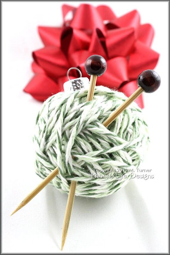 Yarn ball ornament christmas tree gift idea by