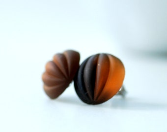 Topaz Stud Earrings, Caramel Brown, Cinnamon, Earthy Jewelry, Ribbed Glass, Post Earrings, Foiled Glass, Steel Posts