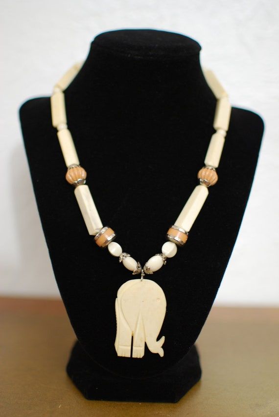 vintage 1970s / ivory / elephant / statement necklace / natural / cream / silver