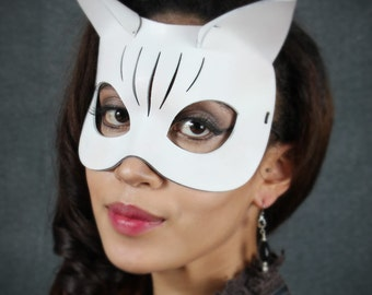 Kitty Leather Mask in White