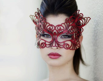 Rococo mask in red leather