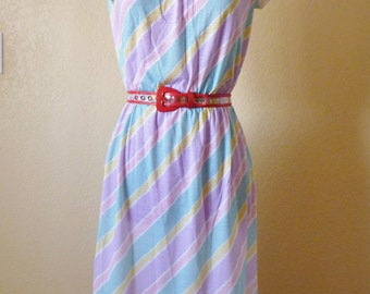 vintage RAINBOW dress. Summer dress. Pastel colored dress. striped dress. pastel dress. Size 9/10 (medium)