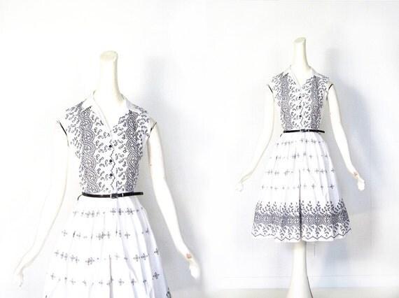 Vintage 50s Dress / White Eyelet Dress / 1950s Dress / XS
