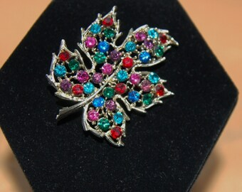 Sparkly Vintage Rhinestone Leaf Brooch