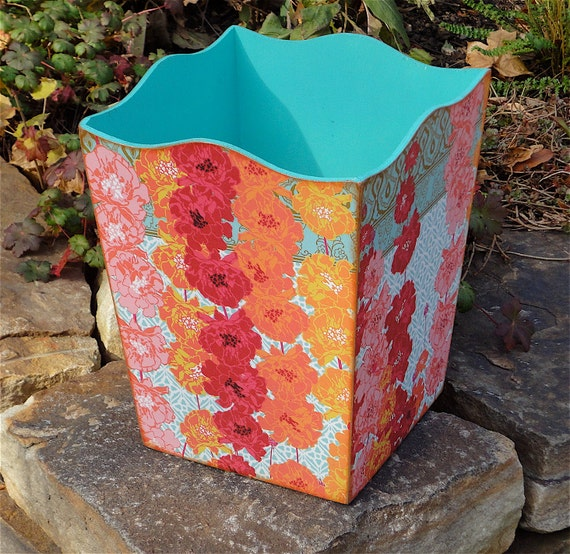 Very pretty and elegant paper waste basket - Elegant wastebasket ...
